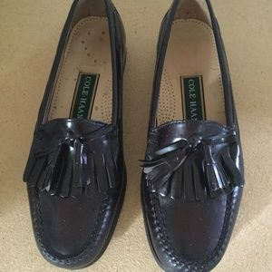 COLE HAAN LOAFER SHOES SZ 8 ( LIKE NEW )